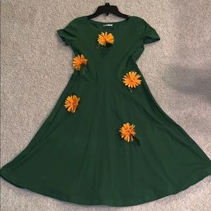 Green dress with yellow flowers
